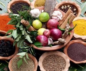 Per la tosse di tipo kapha sono utili spezie come: pepe lungo e zenzero secco